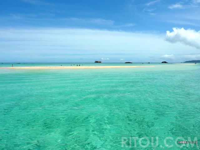 海だった場所が砂の陸地に?天国を思わせる沖縄・幻の島3選