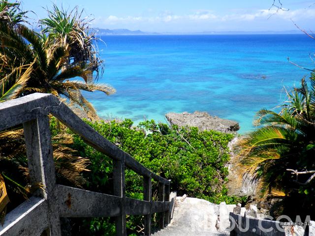 「天国への階段」発見!神の島「沖縄・久高島」は青い楽園への入口