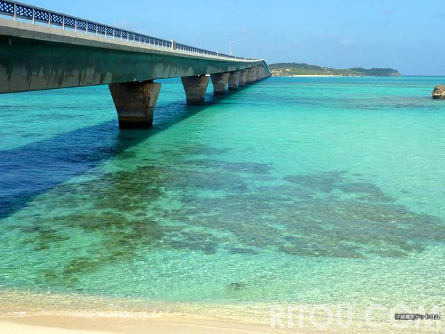 離島まで行かないと見られない!沖縄離島の絶景橋ランキング・ベスト10