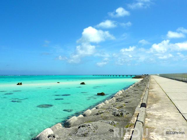 沖縄最高の絶景ロード!下地島の道から見える海の色が綺麗過ぎてヤバイ