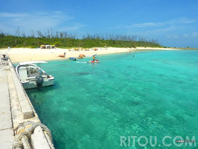 綺麗すぎる海は徒歩0分!絶景ビーチは徒歩1分!沖縄・水納島は船を下りたら見所満載
