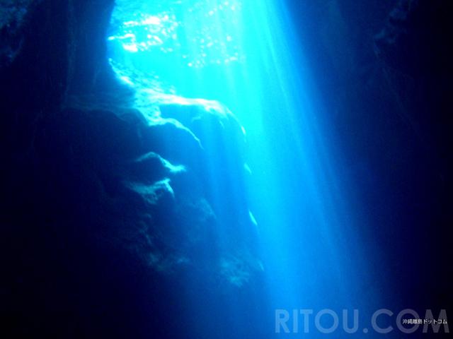 3つの「青の洞窟」徹底比較!幻想的な青い景色を沖縄で楽しもう