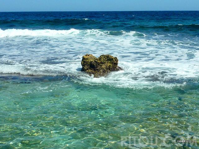 恋愛のパワースポット・ハート岩5選!沖縄の離島はまさにハートアイランド